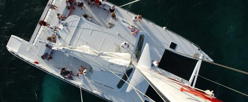 catamaran tours aruba